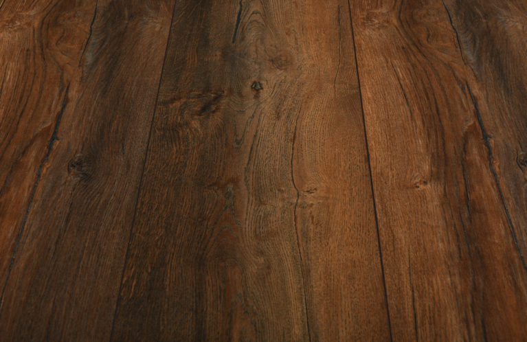 De Kronotex Exquisit plus Harbour Oak is een brede laminaat vloer met een warm motief. Dit exclusieve laminaat creëert een luxe uitstraling.