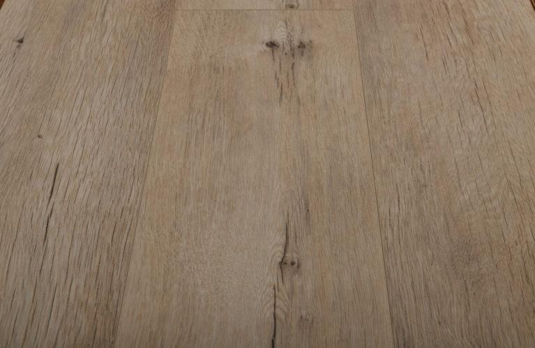 De Krono Original Twist Wide Huntsman Oak is een moderne laminaat vloer met een eiken motief. Dit exclusieve laminaat creëert een luxe uitstraling.