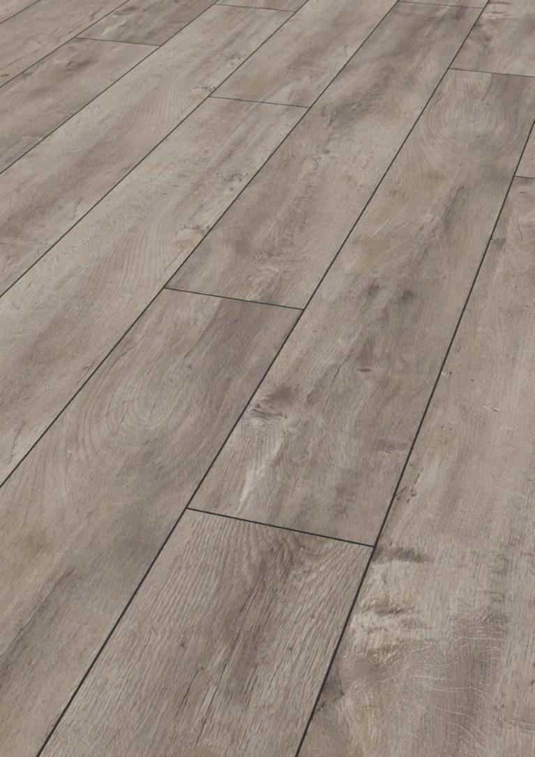 De Kronotex Exquisit Oriental Oak Grey is een moderne laminaat vloer met een eiken motief. Dit exclusieve laminaat creëert een luxe uitstraling.